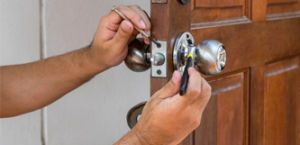 Locksmith fix house lock in Dublin oh